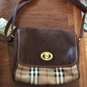 NWT Vintage Burberry crossbody/shoulder bag